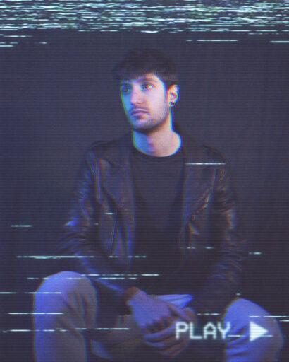 Federico, cantante e tastierista